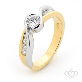 Solitaire with Shoulder Diamonds